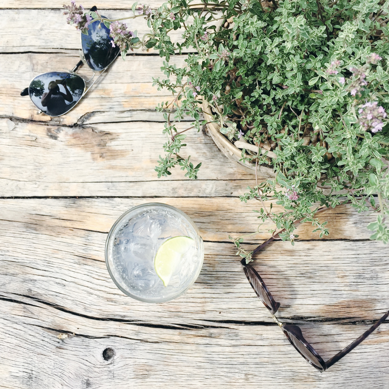 sunglasses flatlay cotswolds, daphnerosa