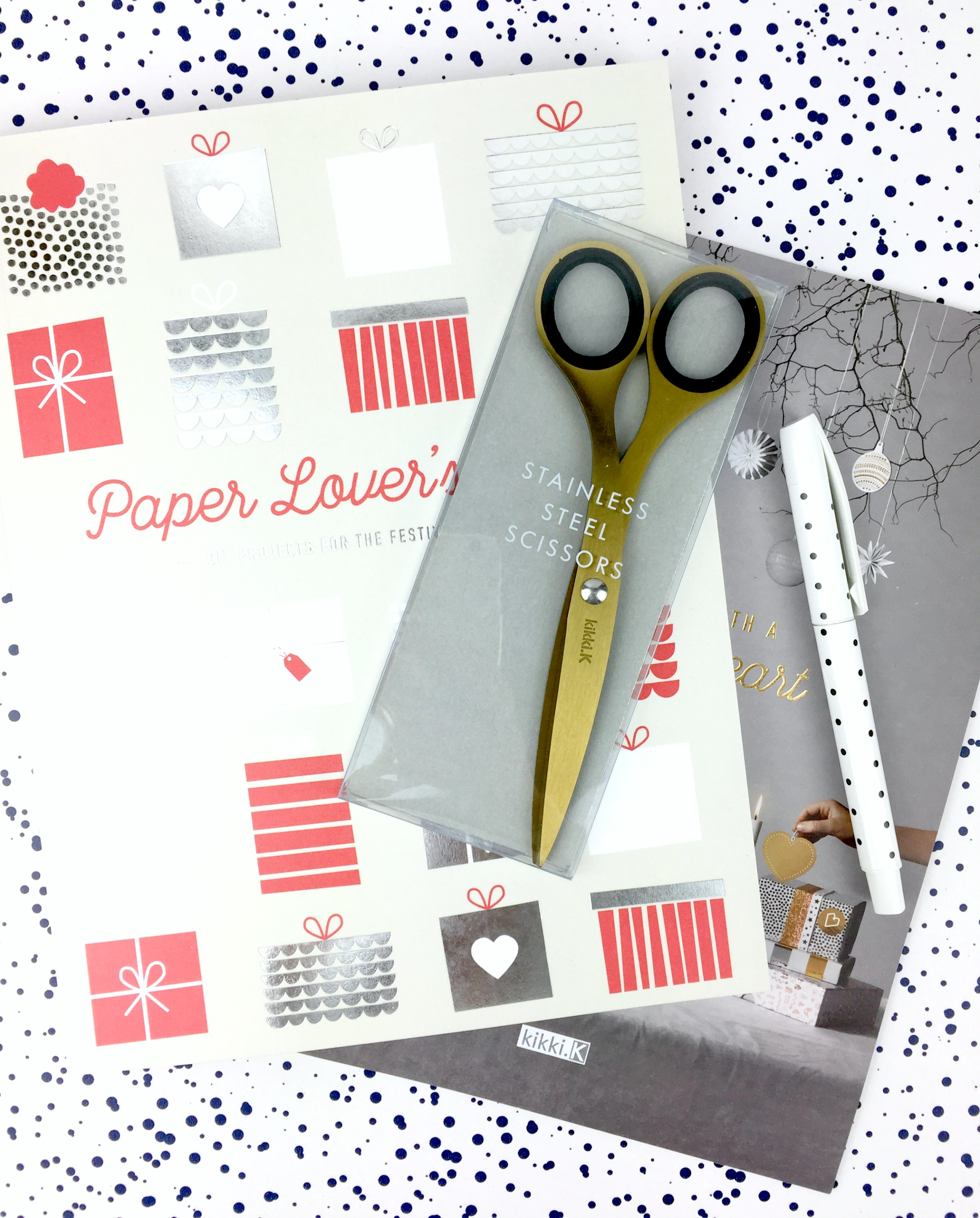paper-lovers-book-kikkik-daphnerosa